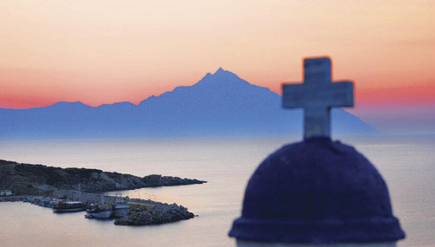 Храм на берегу моря в Греции l Лечебные туры в Европу